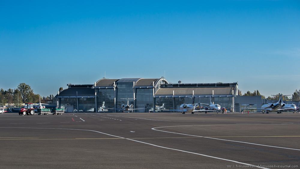 Терминал А аэропорта Жуляны