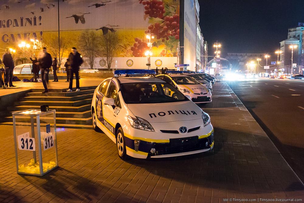 Новый дизайн автомобилей полиции Украины