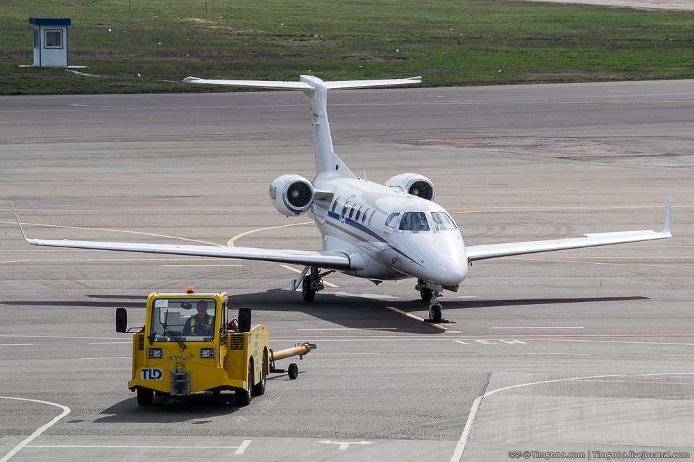 бизнес-джет Embraer EMB-505 Phenom 300
