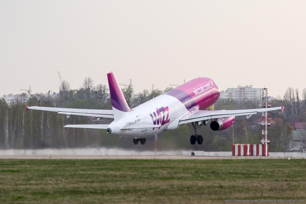 Airbus A320 WizzAir-Украина