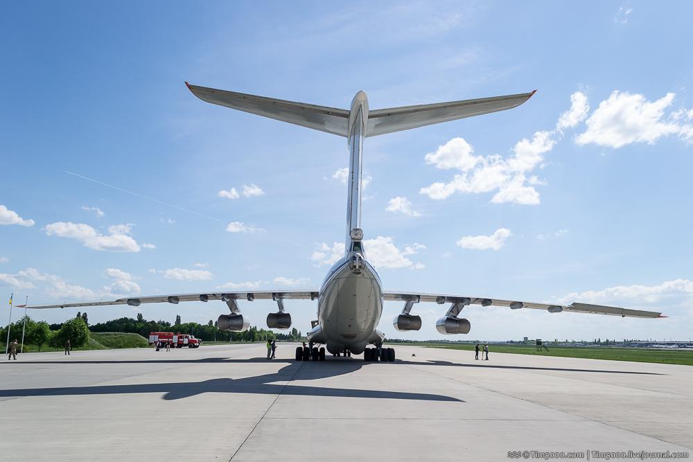 Вид сзади на Ил-76МД