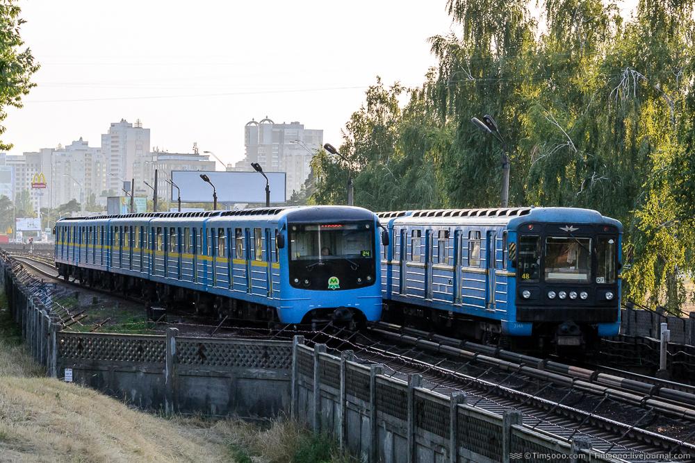 Метроспоттинг в Киеве. Вагон Крюковский Модернизированный
