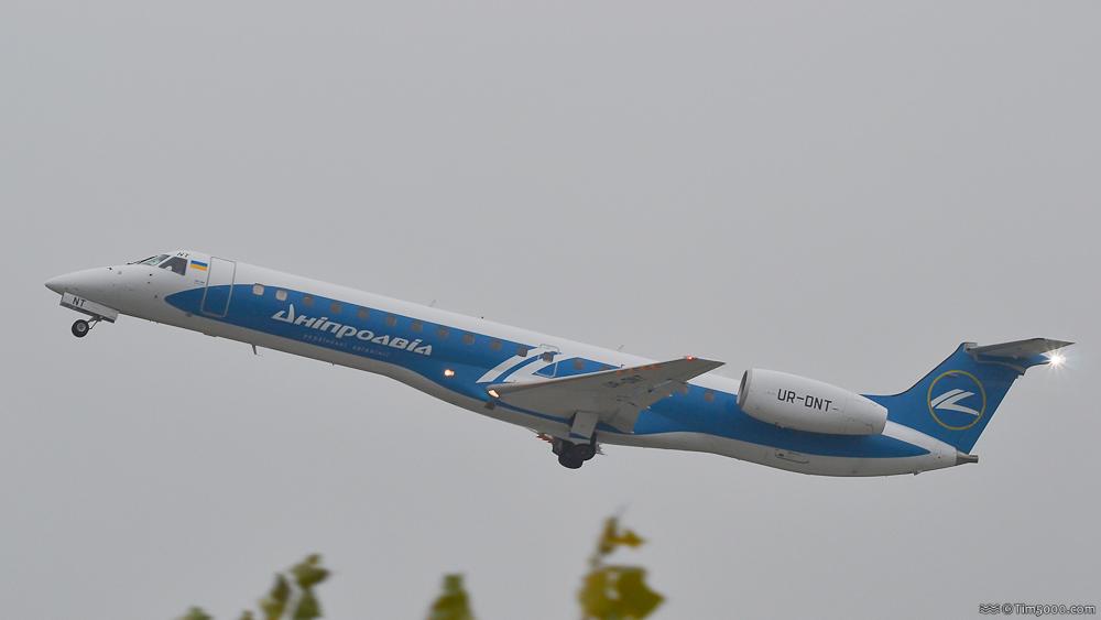 Embraer ERJ-145LR Dniproavia