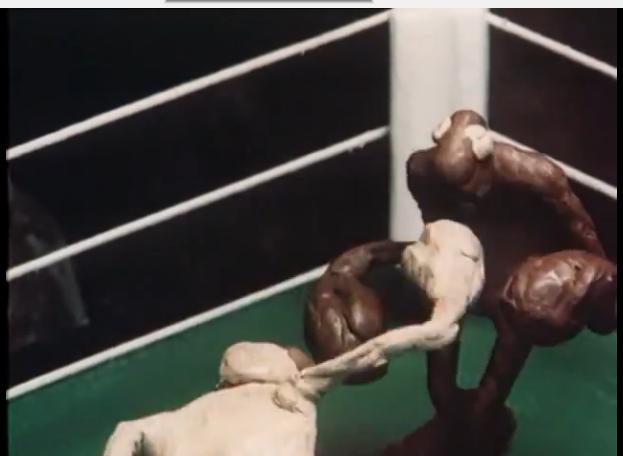 «Брэк», белый боксёр ставит тёмному фингалы