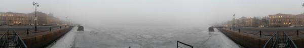 Санкт-Петербург в феврале 2015, круговая панорама с набережной лейтенанта Шмидта туманным утром, №2