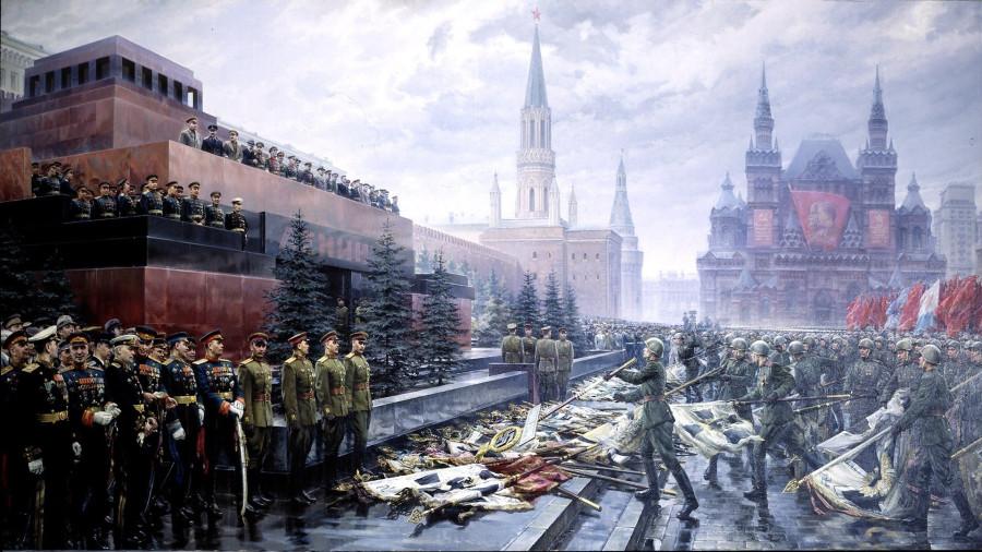 Парад Победы 24 июня 1945 года — 200 знамен и штандартов дивизий гитлеровцев бросили к мавзолею Ленина советские бойцы