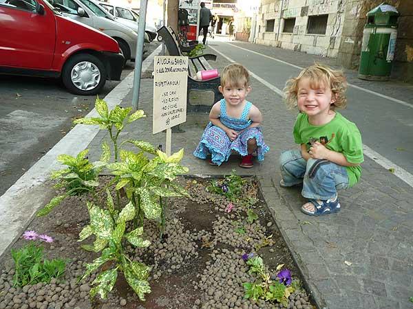 guerrilla-gardening-pigneto-i-bambini-ringraziano