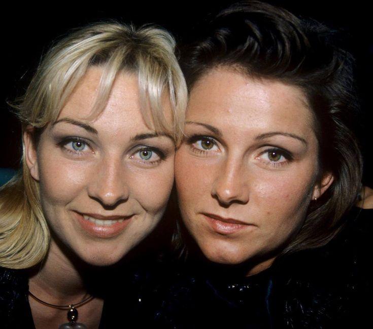 Сёстры Линн и Дженни Берггрен из Ace Of Base, фото середины 1990-х годов.