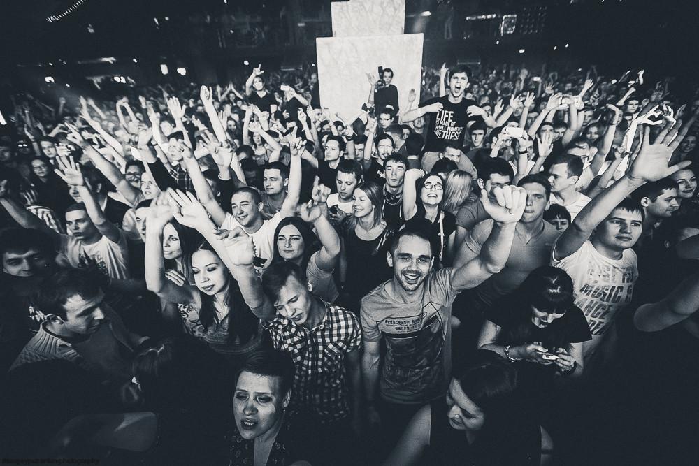 Толпа в клубе фото фото 280-20