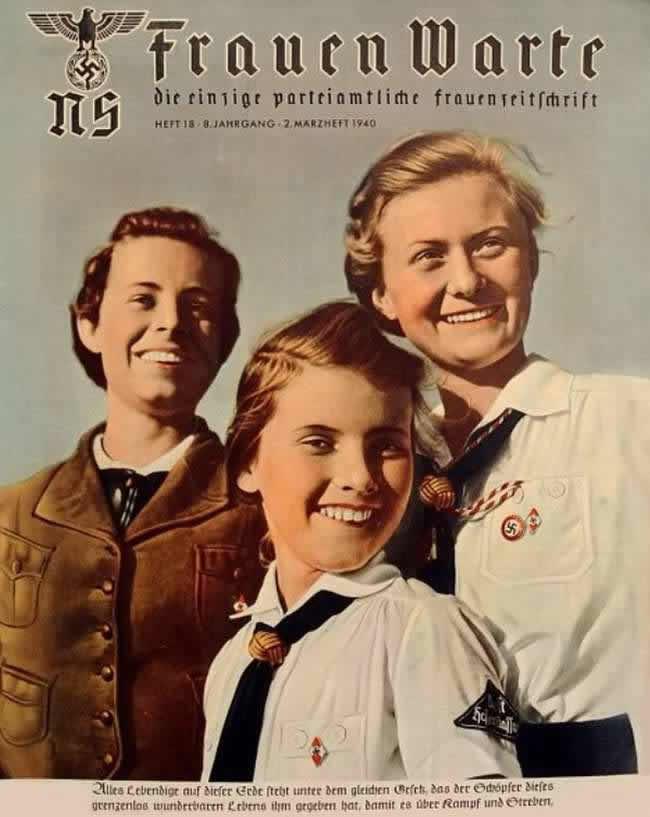 Разные поколения представительниц Союза немецких девушек (обложка журнала Frauen Warte) - 1940 год