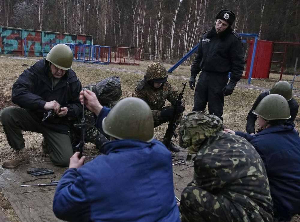 Во время занятий по стрелковой и огневой подготовке (2)
