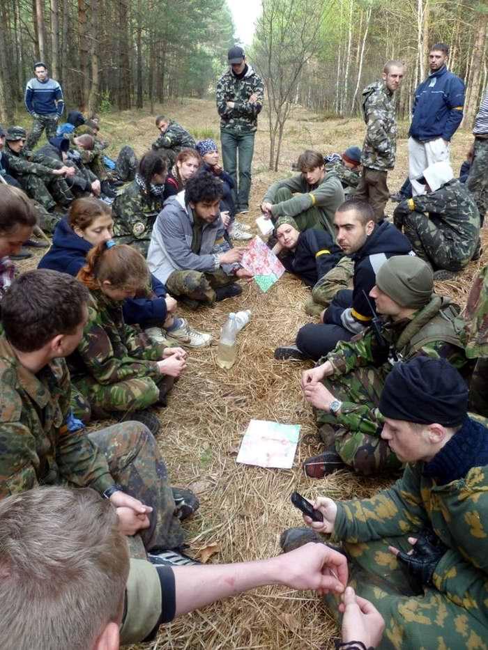 Инструктаж перед началом соревнования по ориентированию на местности - Военно-патриотическая игра Гурби - Антонивци