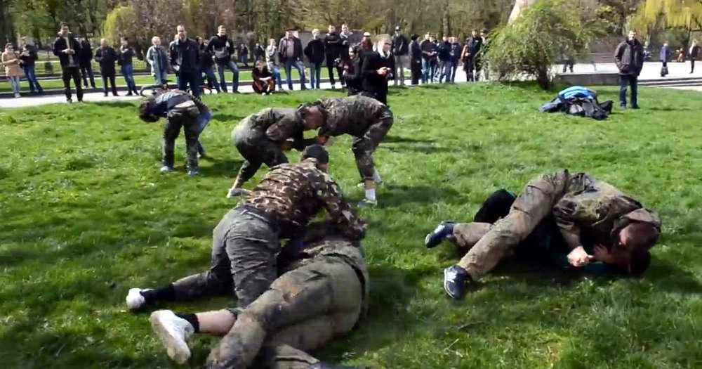 Показательный тренировочный бой во Львове 16 апреля 2014 года - Военно-патриотическая игра Гурби - Антонивци (1)