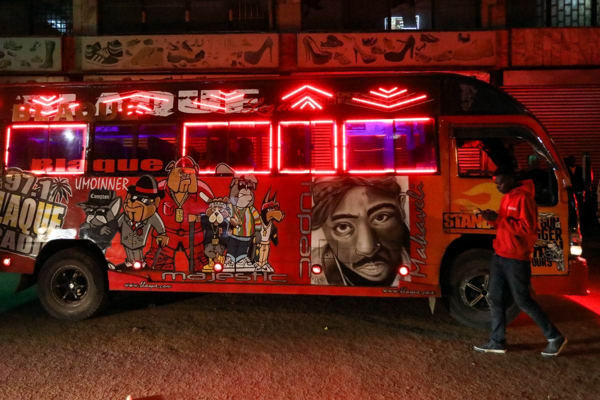 Весь в сиянии огней и красок: Авто тюнинг по-африкански