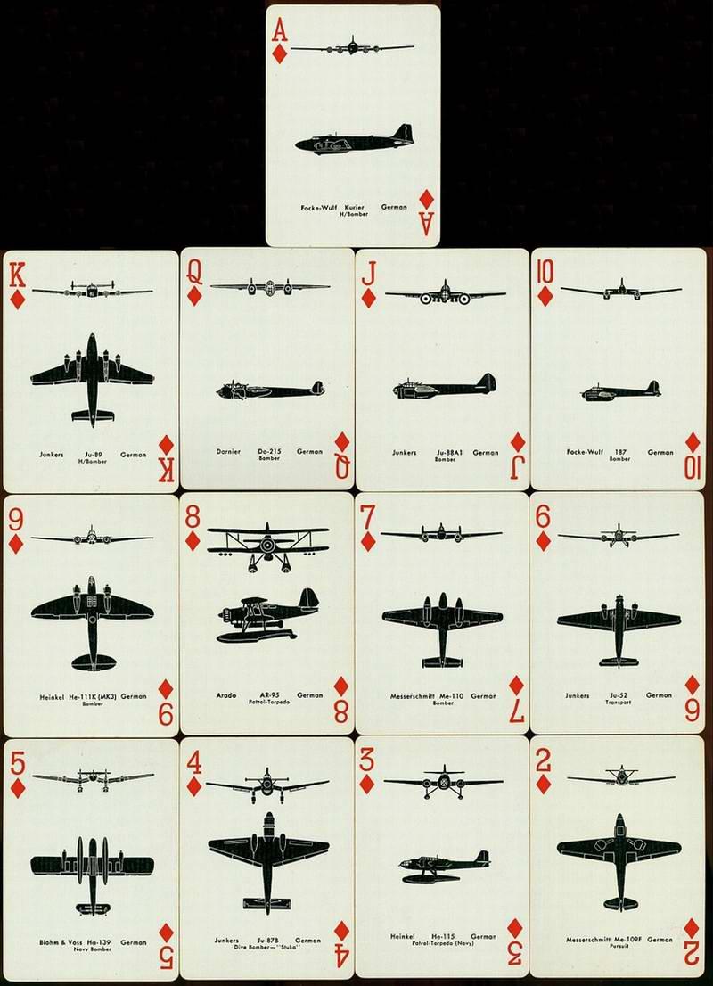 Игральные карты с изображениями контуров различных типов военных самолетов