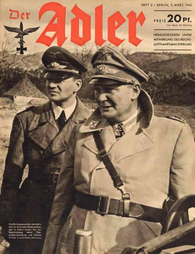 Рейхсмаршал Геринг беседует с офицерами в расположениии батареи зенитной артиллерии на территории Италии