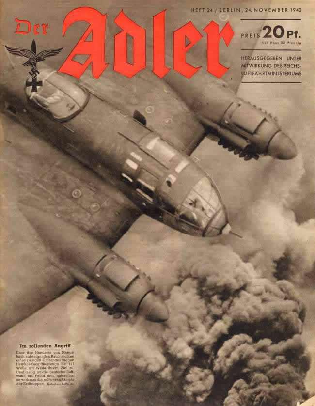 Немецкий бомбардировщик Heinkel He 111 высоко над облаками перед заходом на заранее намеченную цель
