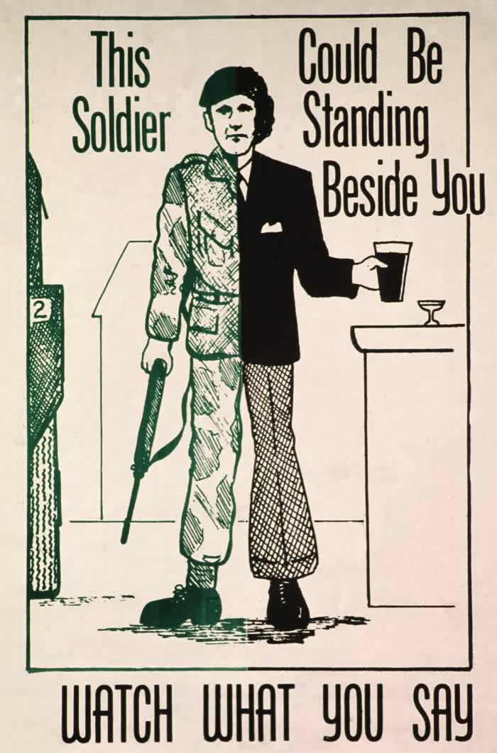 Этот солдат может стоять рядом с тобой (маскируясь под обычного человека). Следи за тем, что говоришь!(1974 год)