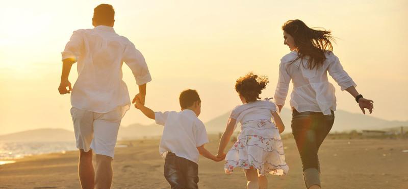 Когда родилась малышка, её отец заявил, что жить с ними не будет. Прошло пару лет…