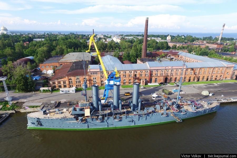 Крейсер Аврора в Кронштадте