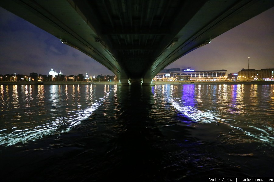 фото разведенного моста александра невского таких