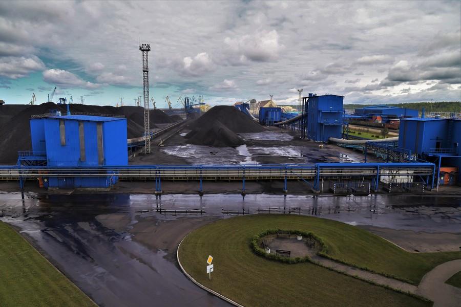 Угольный терминал в порте Усть-Луга