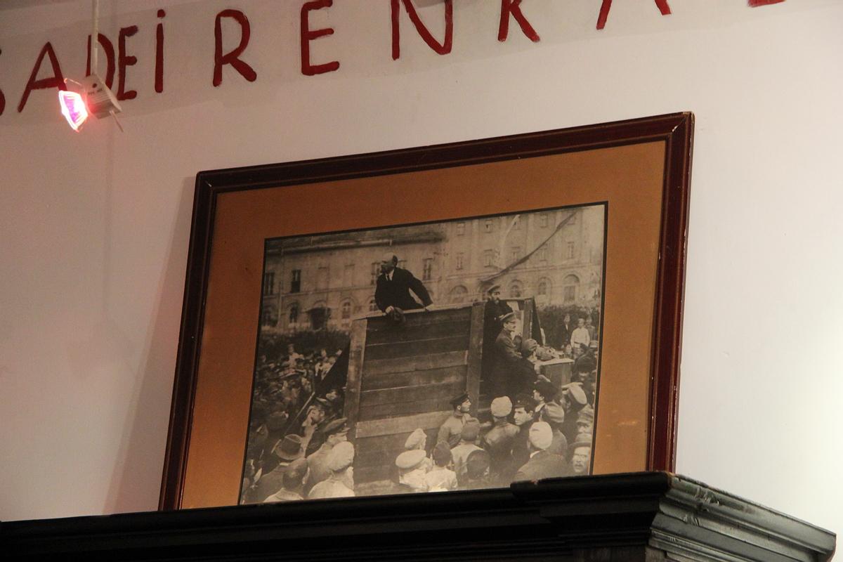 http://ic.pics.livejournal.com/tkova/77245371/193702/193702_original.jpg
