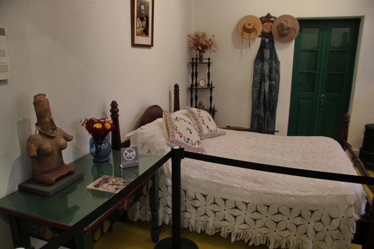 http://ic.pics.livejournal.com/tkova/77245371/196250/196250_original.jpg