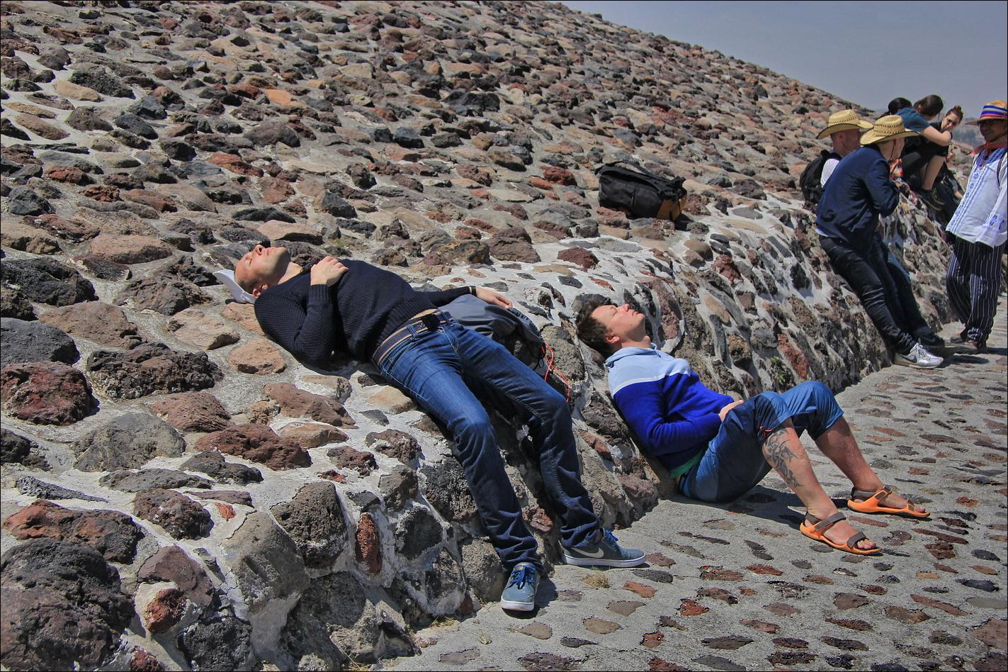 http://ic.pics.livejournal.com/tkova/77245371/215390/215390_original.jpg