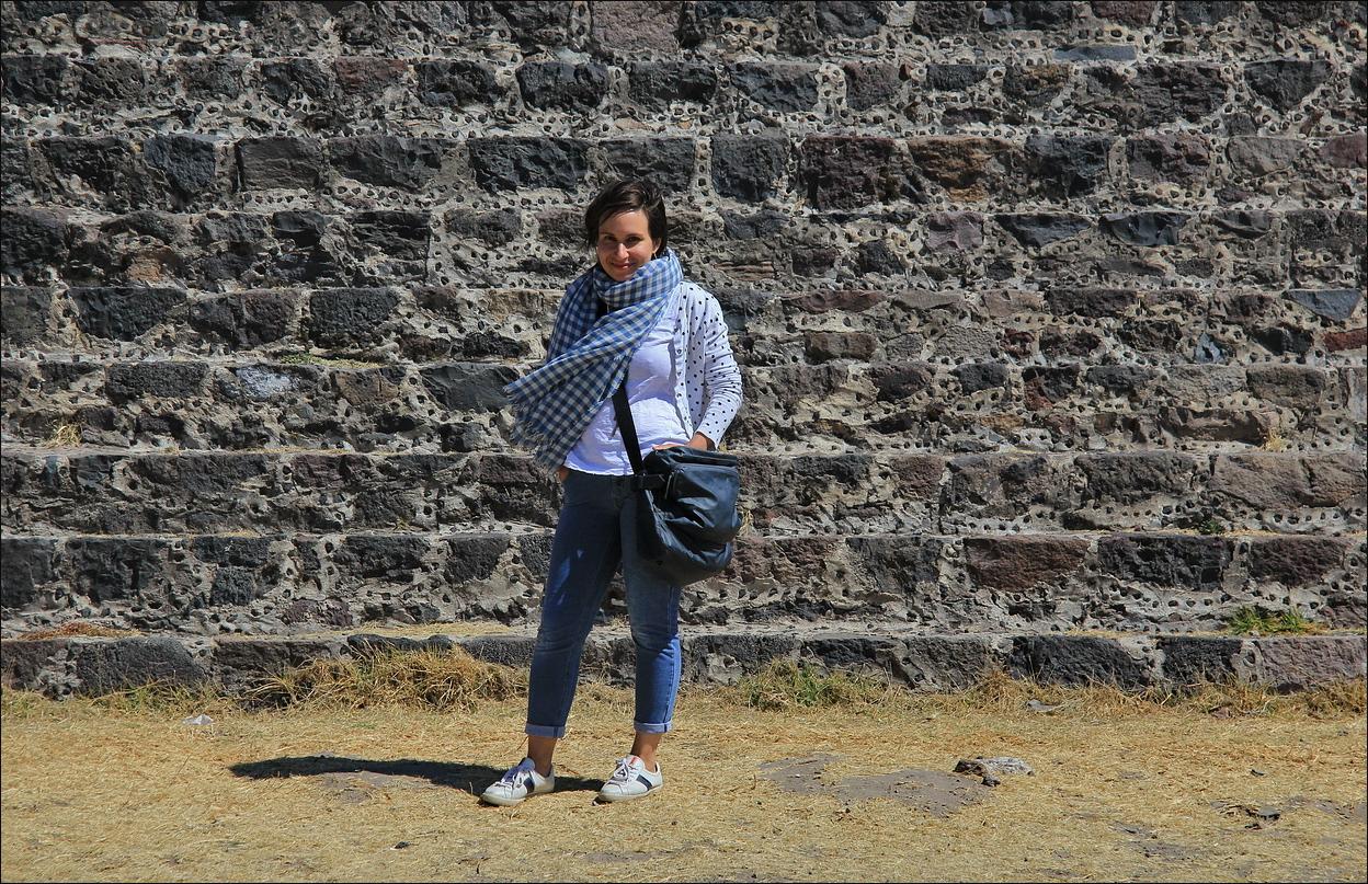 http://ic.pics.livejournal.com/tkova/77245371/58631/58631_original.jpg