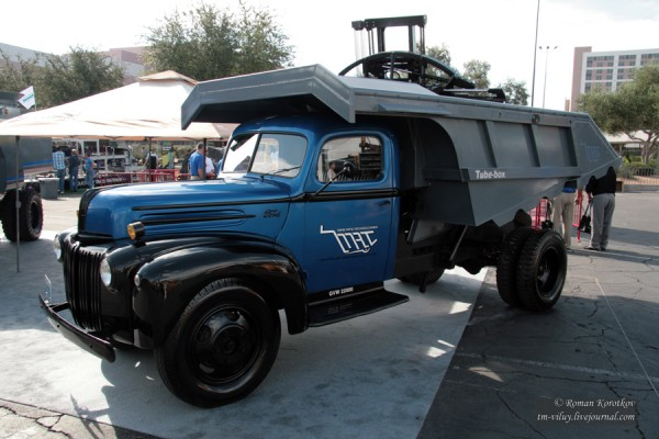 Грузовик Ford 2G8T