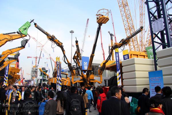 Картинки с выставки bauma China 2012