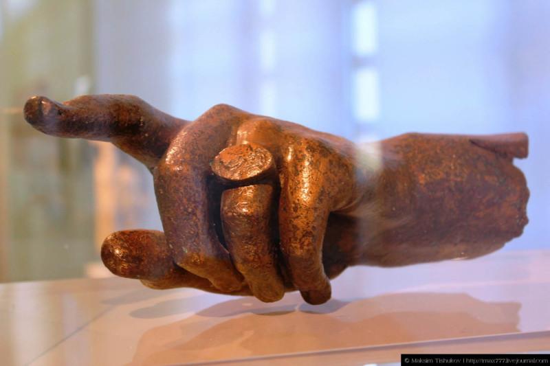 Экспонаты музея в Филиппах 3