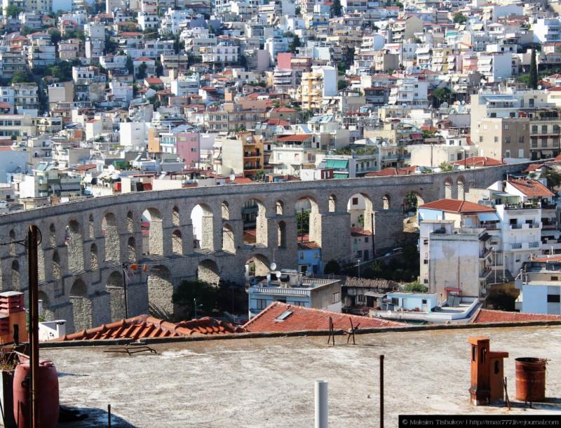 Акведук в городе Кавала