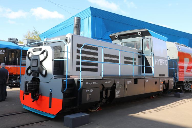 Гибридный локомотив Трансмашхолдинга