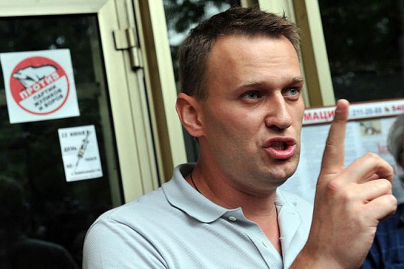 Высокомерие и хамство: Навальный остался без поддержки сторонников после скандала с Долиным
