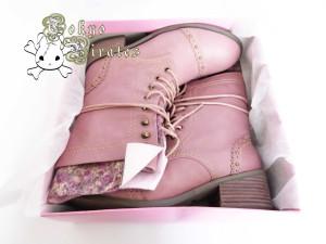 queen bee pink boots 2