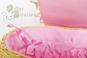 queen bee pink basket 3