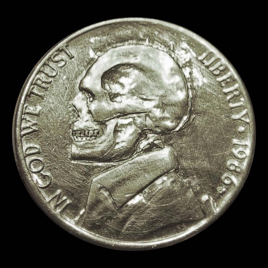Монета с черепом ходячки