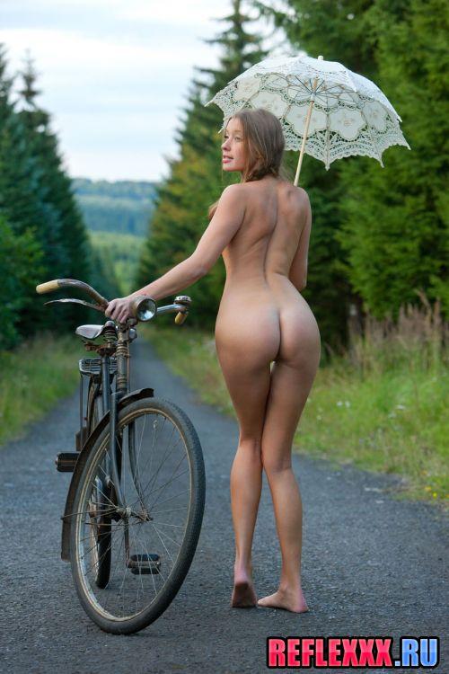 Фото голые велосипедистки 31779 фотография