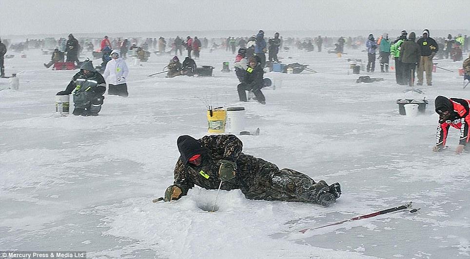 Brainerd jaycees ice fishing extravaganza for Ice fishing extravaganza