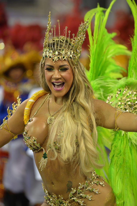 Brazil-carnival-parade-Sambadrome-3199209