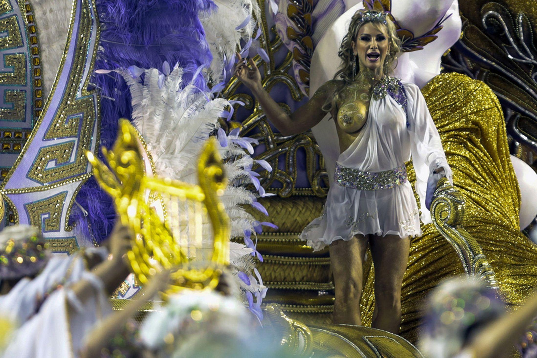 Brazil-carnival-parade-Sambadrome-3198129