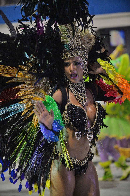 Brazil-carnival-parade-Sambadrome-3198126