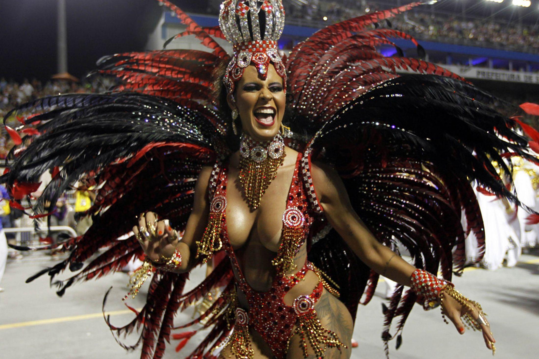 Brazil-carnival-parade-Sambadrome-3198124