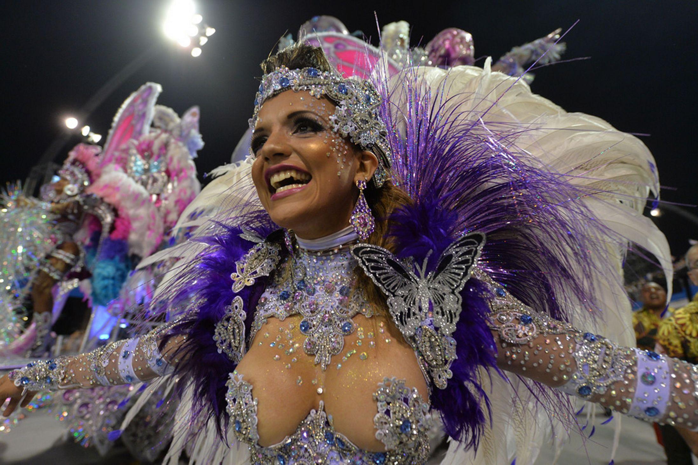 Brazil-carnival-parade-Sambadrome-3198123