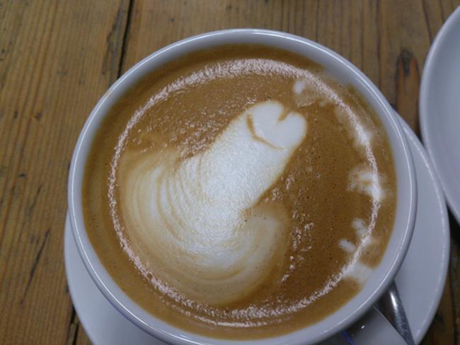 Barista-Latte-Art-05