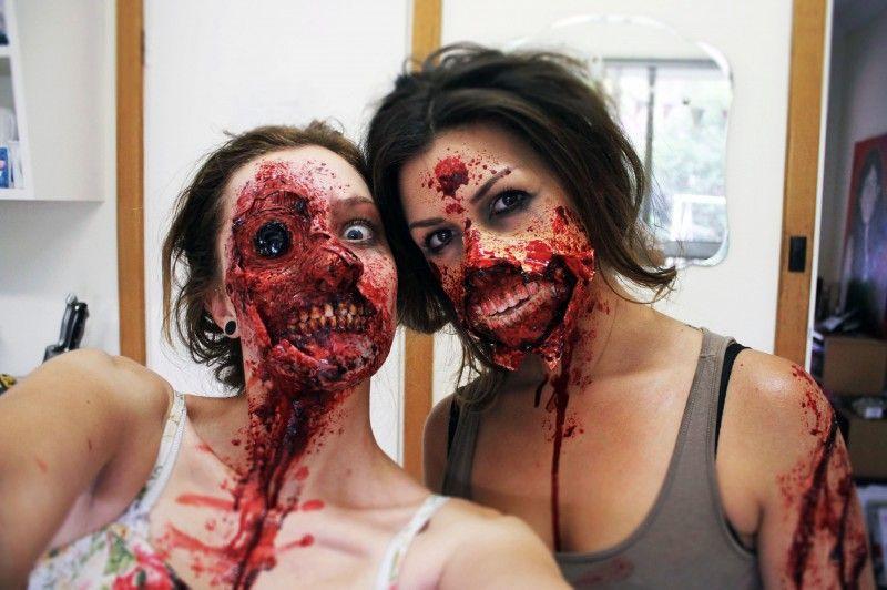 Сексуалные девушки зомби