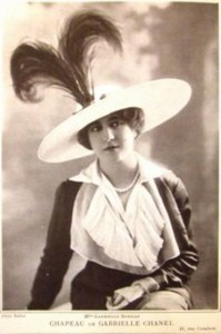 gabrielle-coco-chanel-wearing-one-of-her-hats-in-1912