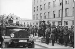 Bundesarchiv_Bild_101I-121-0011A-23,_Polen,_Siegesparade,_Guderian,_Kriwoschein